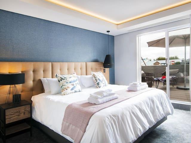 2 Sleeper Loft (1 dbl room balcony gold) photo 0