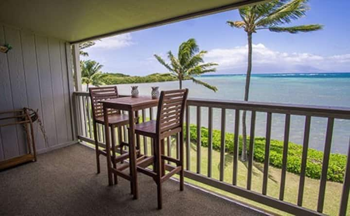 Deluxe, Oceanfront, Top-Floor Condo w/Ocean Views, Shared Pool, & Free WiFi!