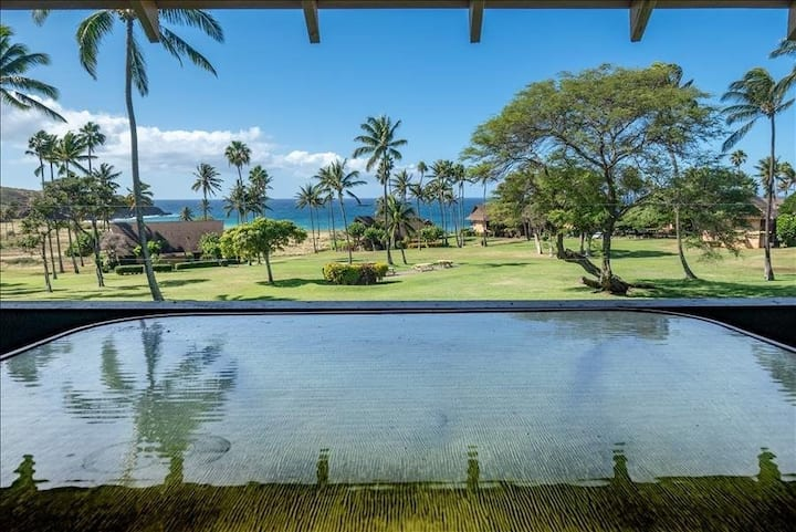 Ocean View, 2-Level Condo w/ Lanai, WiFi, Laundry, Shared Pool - Steps to Beach!