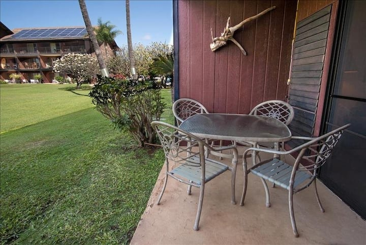 Ground-Floor Condo w/Views of the Pacific Ocean, Free WiFi, Shared Pool & Grills