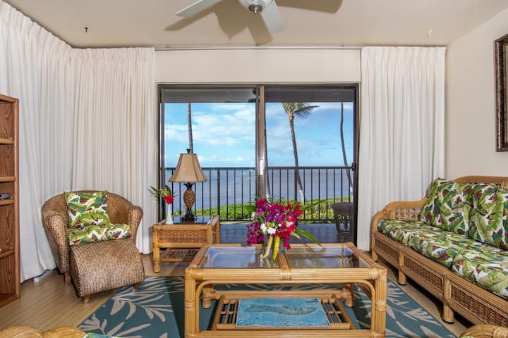 Secluded Corner Condo w/Free WiFi, Balcony, & Shared Outdoor Pool, Washer/Dryer
