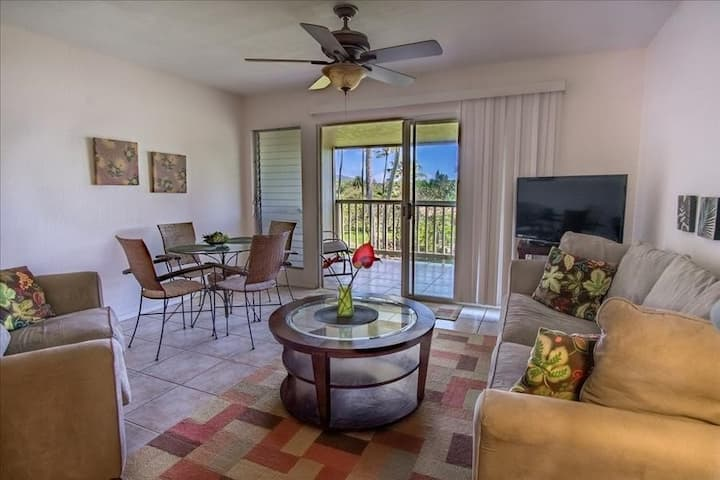 Lovely Tropical Home w/Shared Pool/Tennis Court, Lanai, Free WiFi, Water Views!