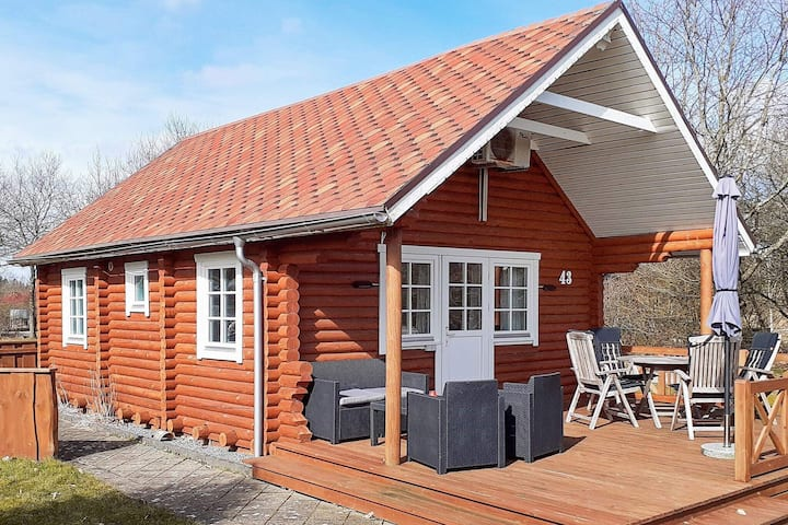 6 person holiday home in Hovborg