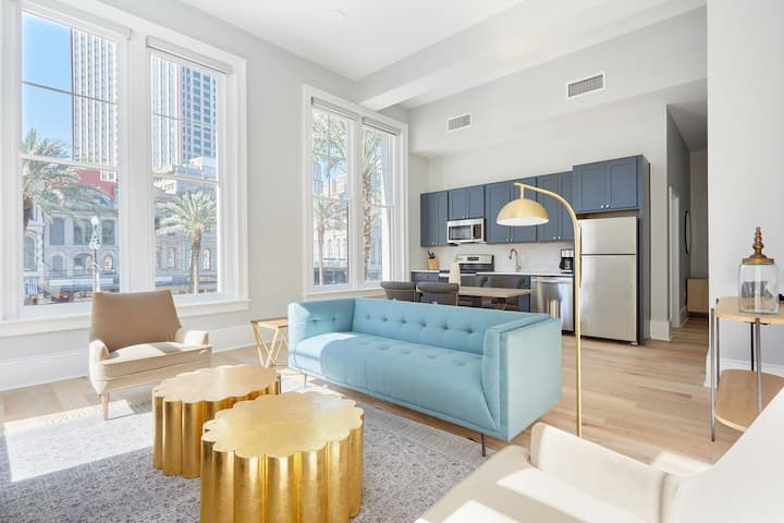 Sonder at The Vitascope  | Sun-Filled 2BR with City Views