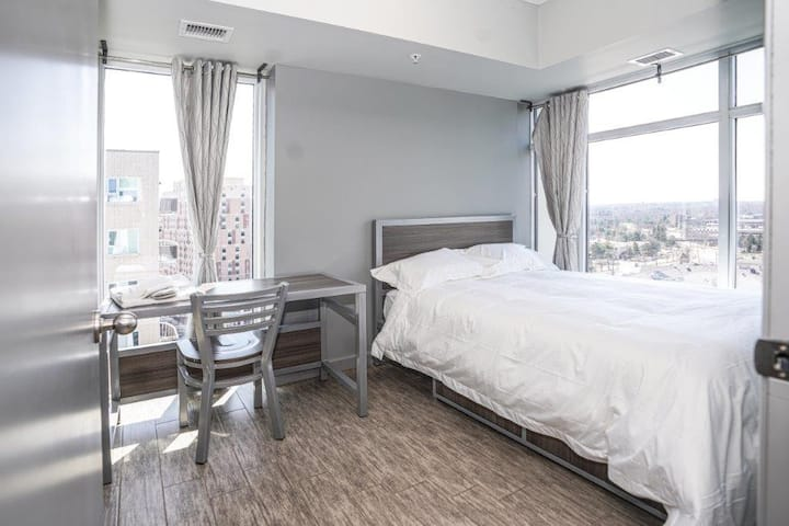 3 Bedroom Penthouse Suite with Double Balcony