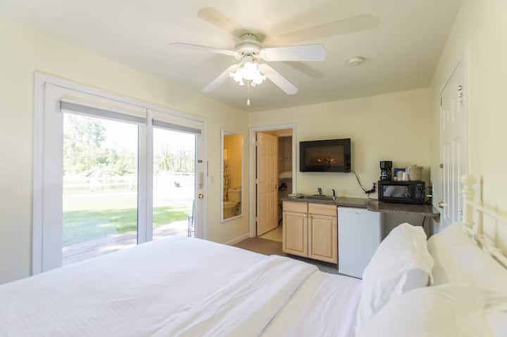 Wheelchair Accessible 2 Bedroom Suite on Resort