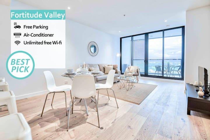 KOZYGURU | Fortitude Valley | HIGH LEVEL | 2 BED APT + FREE Parking | FV Peppers