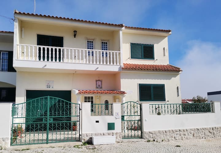 Caparica Beach Villa