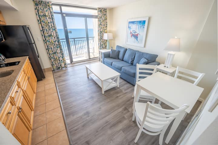 ⭐ NEW! Remodeled Oceanfront, CLEAN, HIGH FLOOR!