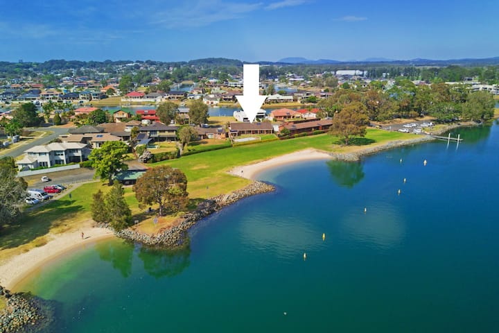 5 Riverpark Road, Port Macquarie NSW  2444