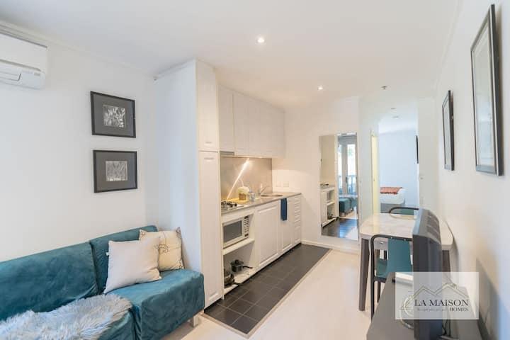 A Little Satisfaction apartment in Melbourne CBD