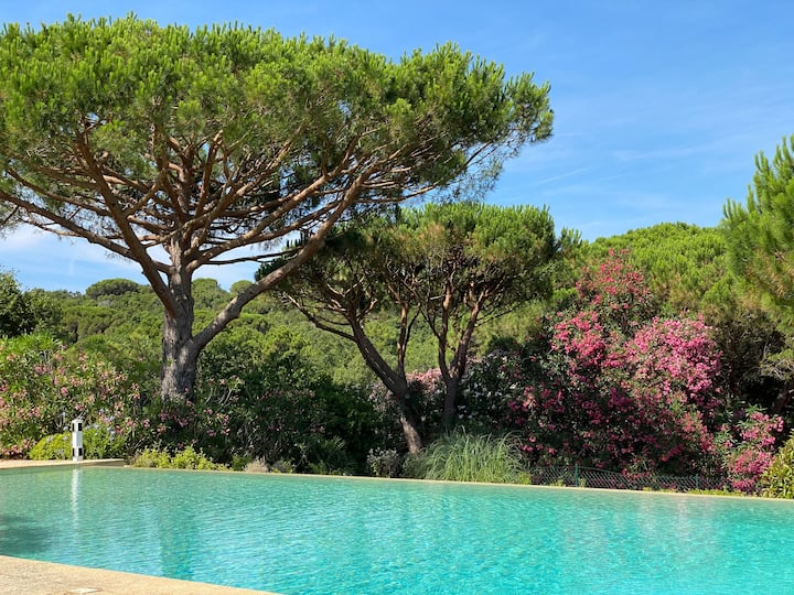 Large two bedroom villa, in countryside guesthouse, by Pampelonne beach