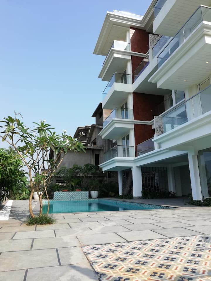 1BHK-The Calissa💎-Calangute- Pool & Lush Green View