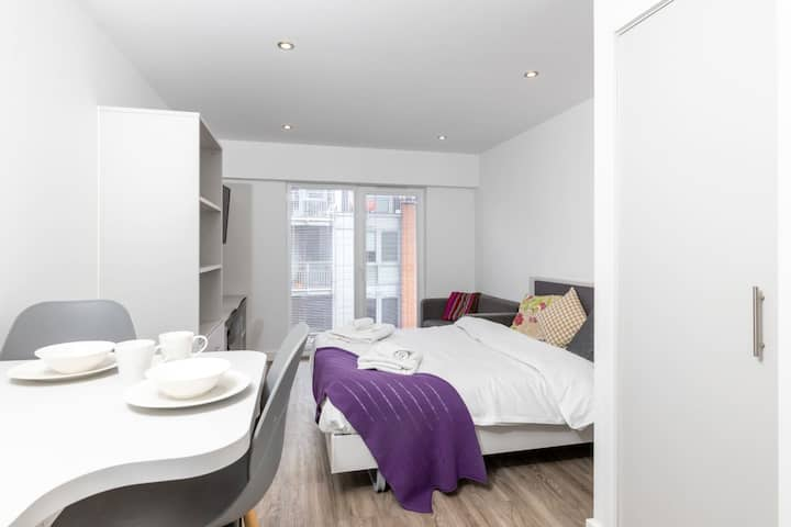 Stylish studio for 2, perfect central location!