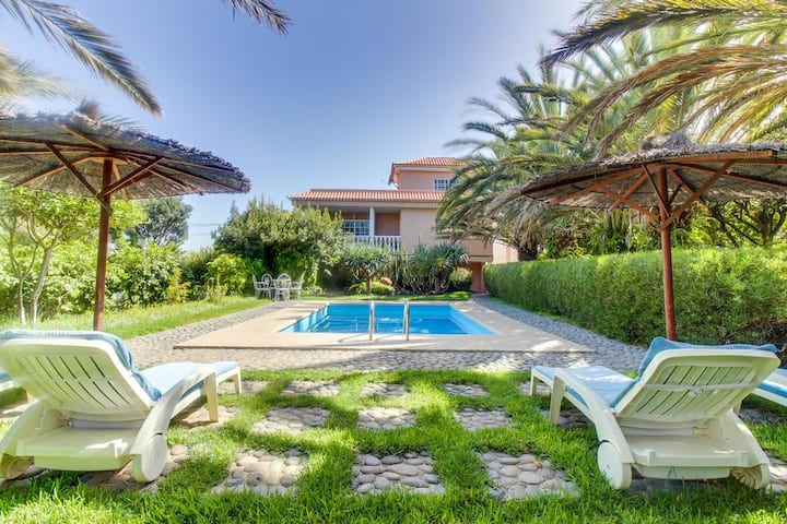 Villa Morera with Mountain View, Pool, Fast Wi-Fi, Garden & Terrace; Parking Available
