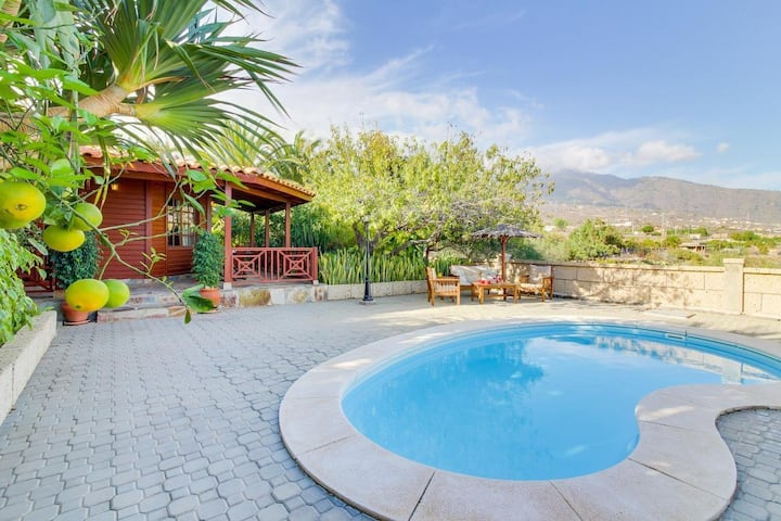 Villa Mimosa with Mountain View, Pool, Fast Wi-Fi, Garden & Terrace; Parking Available