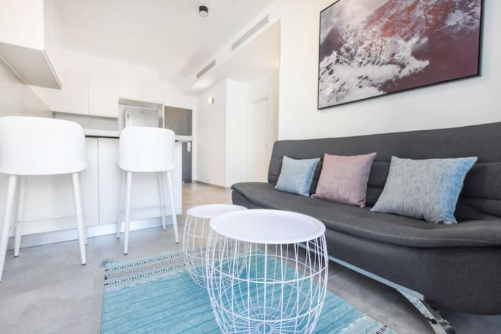 Central 1BR in mendele 7 by HolyGuest