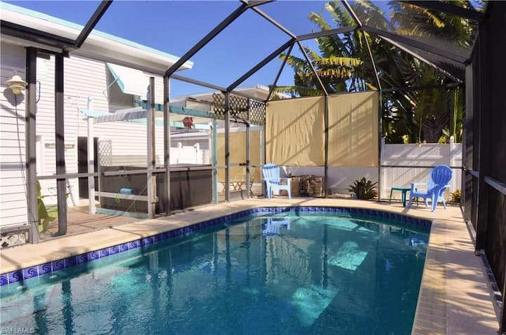 Close to Beach - Mid Island 3BR/2Bath Beach House with Private Pool and Hot Tub