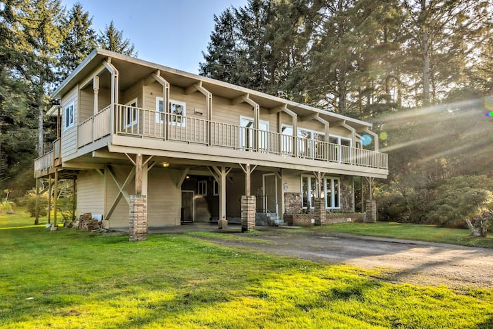 NEW! Home with Deck & Elevator: < 1 Mile to Coast