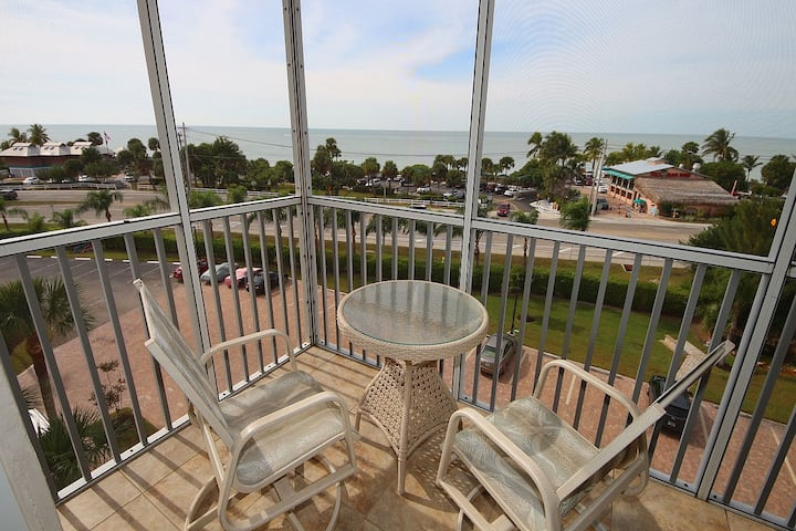 View of The Gulf of Mexico - Studio w/ 2 Double Beds - Room #1506
