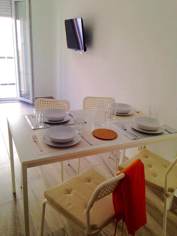 Apartment with one bedroom in Portimão, with furnished terrace and WiFi - 3 km from the beach