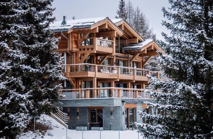 Luxury Living & Spa *****, Crans Montana