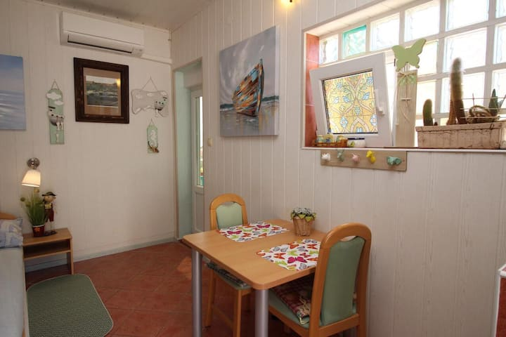 Studio flat with balcony and sea view Šilo, Krk (AS-18735-a)