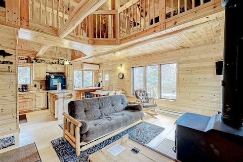 Hand-Built, Waterfront Log Home w/ Wood Stove, Firepit, Boat Landing & Boats!