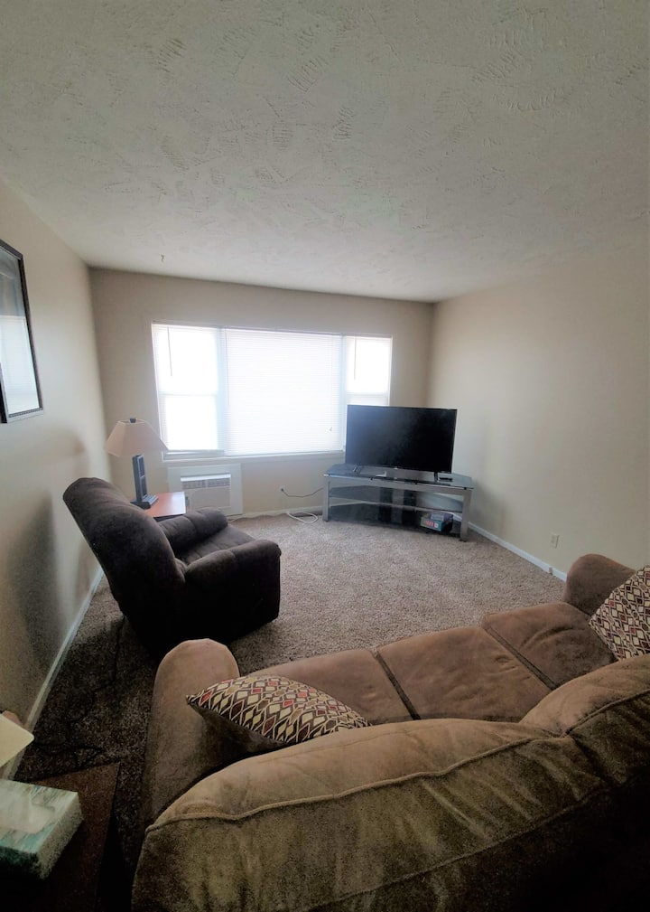 2 bed furnished Williston apartment for all stays