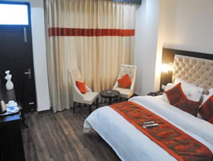 Hotel Triund Heights/ Premium Room