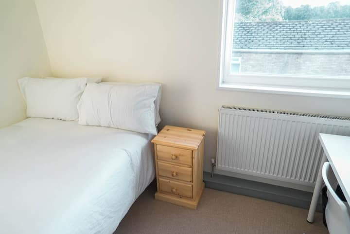 Attractive Double Room Bills INCLUDED