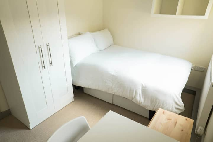 Decent Double Room Bills EXCLUDED