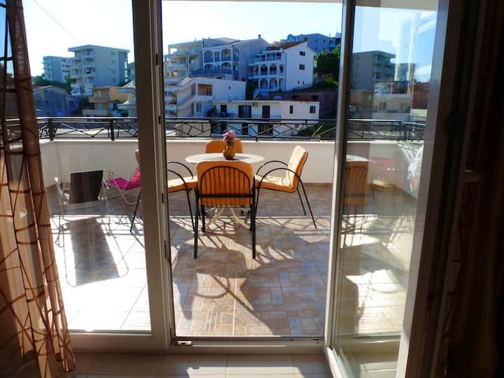 Studio in Ulcinj, with wonderful sea view, balcony and WiFi