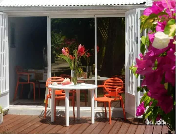 Appartement d'une chambre à St François , avec piscine partagée, terrasse et WiFi