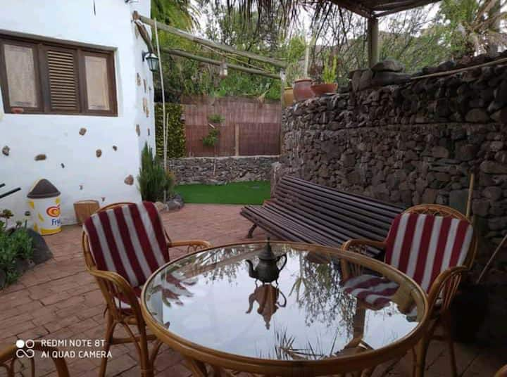 Holiday Home El Cuarto with Wi-Fi, Garden & Terrace; Pets Allowed for Extra Fee