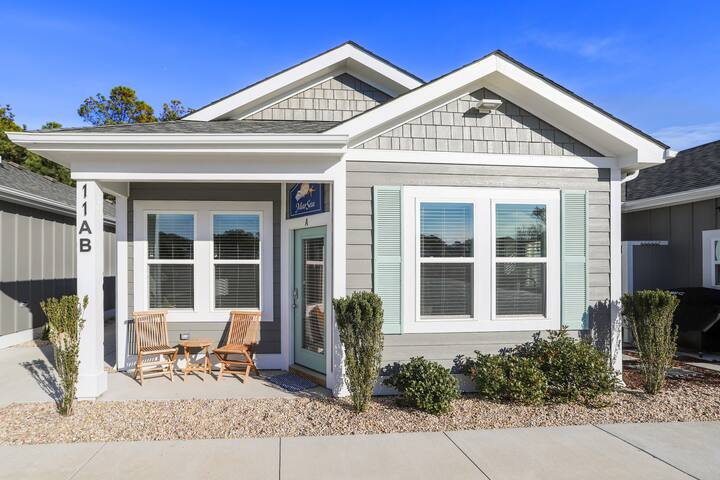 Oceanside: Modern home with Stunning Decor!  New in '20! Pets ok! BQ-11A