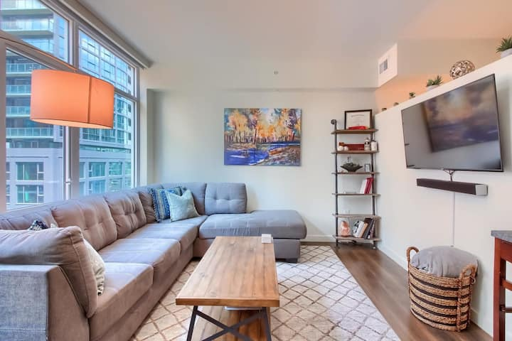 Bright & Urban 1BR Apt in Union Station