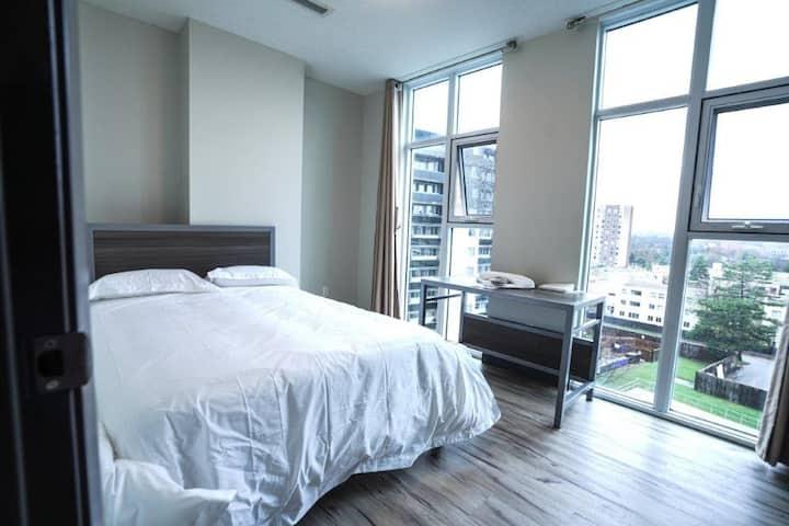 705 1 Bedroom Private Waterloo Suite