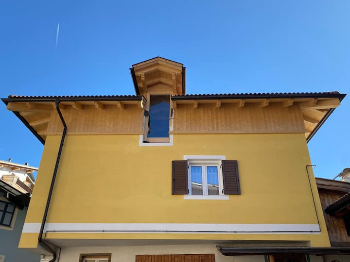 Studio Apartment Ciasa Parè Chiara with Mountain View, Wi-Fi & Terrace; Parking Available