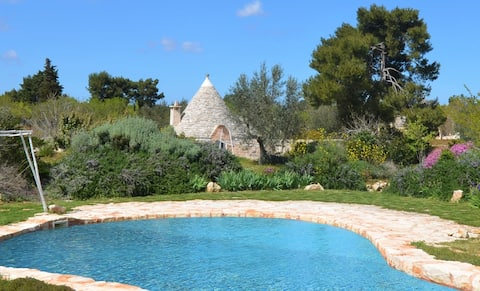 Live in your private trullo! Enchanting mansion with natural pool and huge garden