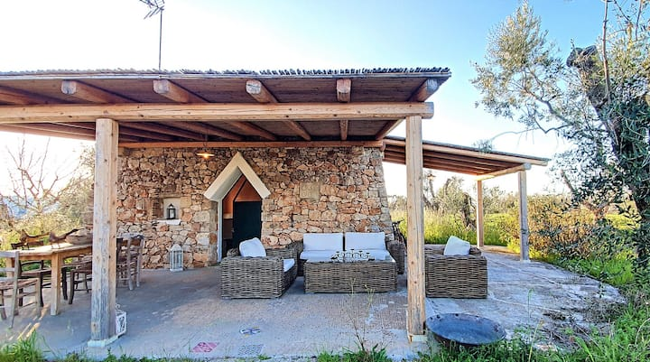 Traditional estate with two cozy houses in the countryside near Gallipoli