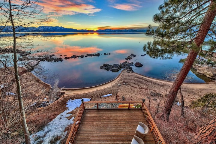 NEVADA LX20 LAKEFRONT LAKE TAHOE with HOT TUB AND POOL TABLE