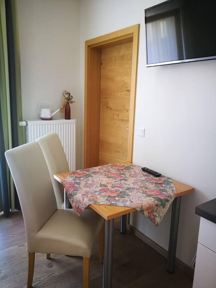 HopfenErlebnisHof Gästehaus (Altmannstein), Appartement 23qm -2- mit Balkon