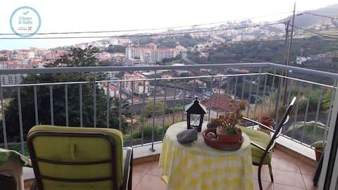 Apartamento Jade met zeezicht, Wi-Fi & balkon