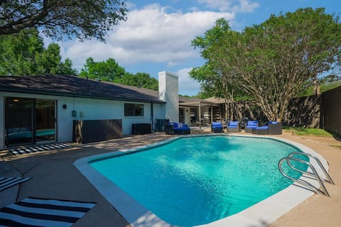Luxury Home with 5 Bedrooms and Private POOL