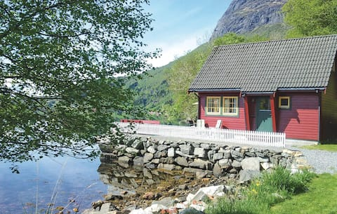 Nice home in Hyllestad with WiFi and 2 Bedrooms