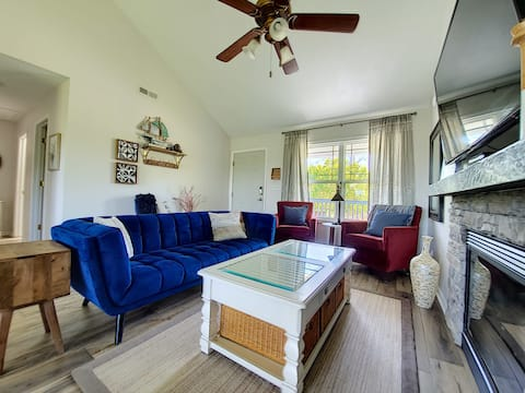 Seabiscuit Cottage #05 The cottage with a view! Pet friendly with fee