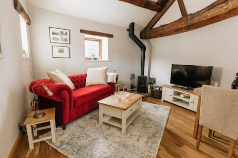 GABLE COTTAGE / LUXURIOUS NEWLY RENOVATED 1 BED ACCOMMODATION CLOSE TO HOLMFIRTH, YORKSHIRE