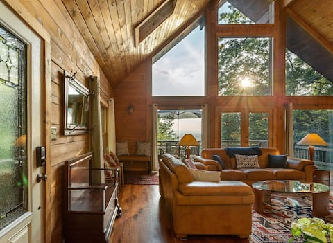 Sunny Streams - Mountaintop Cabin with Incredible Sunset Views!