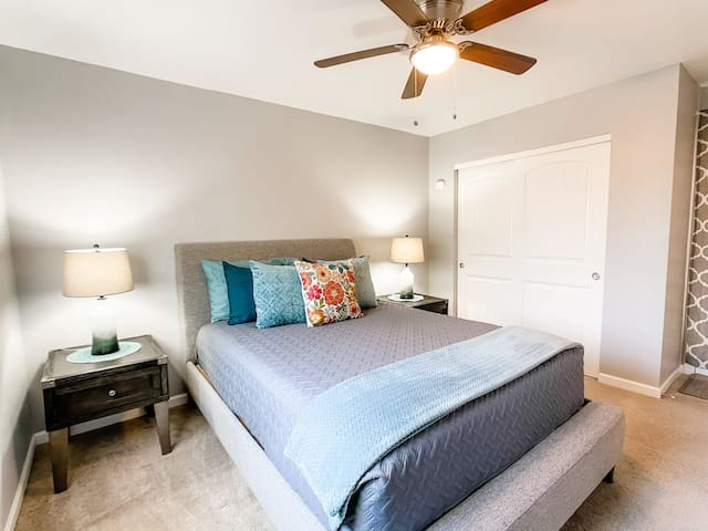 Guest Bedroom w/ Closet & Private Access to Back Patio
